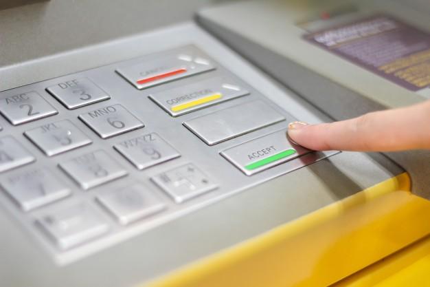 Kartenzahlungen sind ab 10€ Verkaufswert möglich.